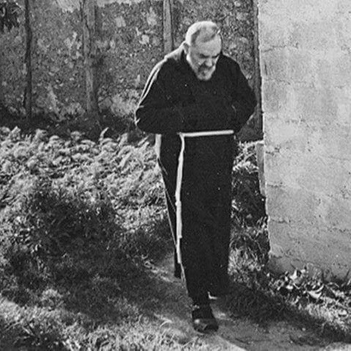 Padre Pio immagini da mandare su WhatsApp 8124